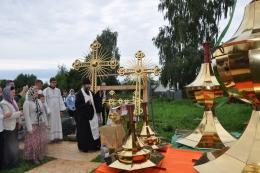 Освящение и установка на храм куполов и Крестов